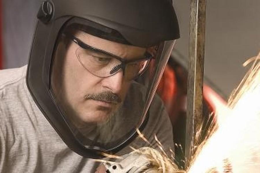 A importância do uso de óculos de segurança