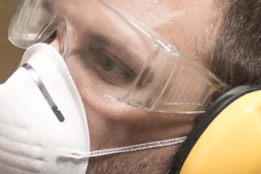 A importância da escolha adequada das lentes nos óculos de segurança